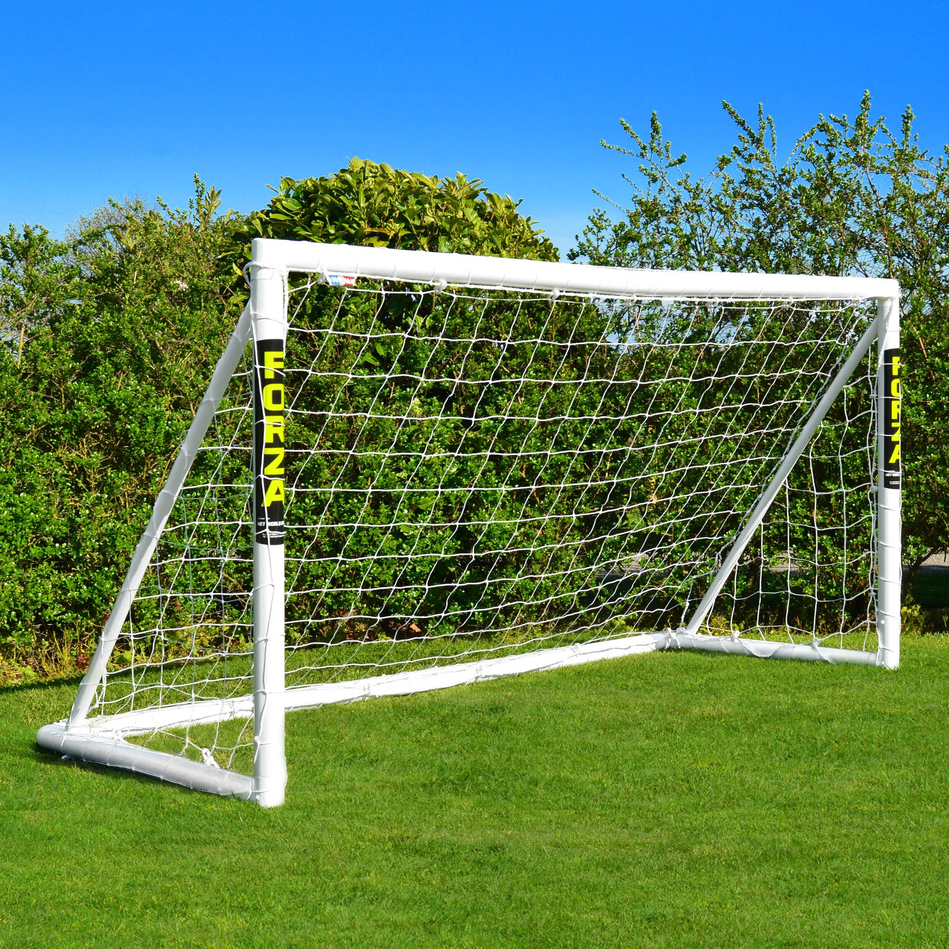 fodboldm l forza winner 2 4 x 1 2 m spil fodbold i haven. Black Bedroom Furniture Sets. Home Design Ideas